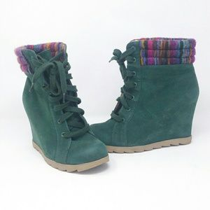 Nature Breeze Green Wedge Booties